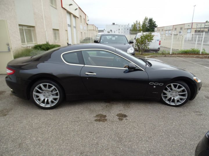 Maserati GranTurismo 4.2L BVA ZF 405PS/ Full Options jtes 20  PDC BOSE GPS ..... noir metallisé - 5