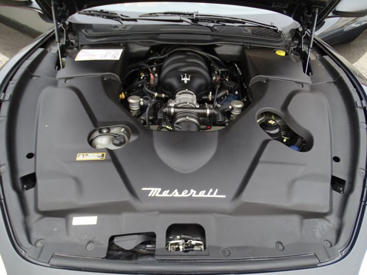 Maserati GranTurismo 4.2L BVA ZF 405PS/ Full Options jtes 20  PDC BOSE GPS ..... noir metallisé - 21