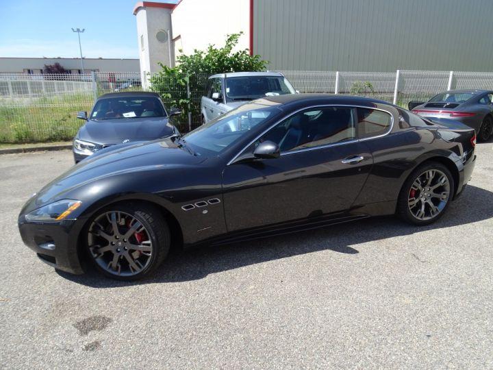 Maserati GranTurismo 4.7L F1 440Ps/ Embrayage neuf PDC GPS BOSE Jtes 20 noir métallisé - 4