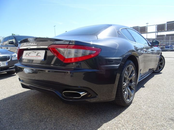 Maserati GranTurismo 4.7L F1 440Ps/ Embrayage neuf PDC GPS BOSE Jtes 20 noir métallisé - 6