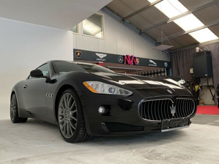 Maserati GranTurismo Maserati GranTurismo 4.2 V8 noir - 1