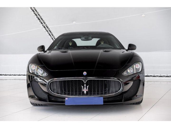 Maserati GranTurismo MC STRADALE 4.7 noir - 17