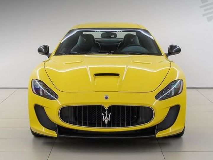 Maserati GranTurismo MC STRADALE JAUNE - 4