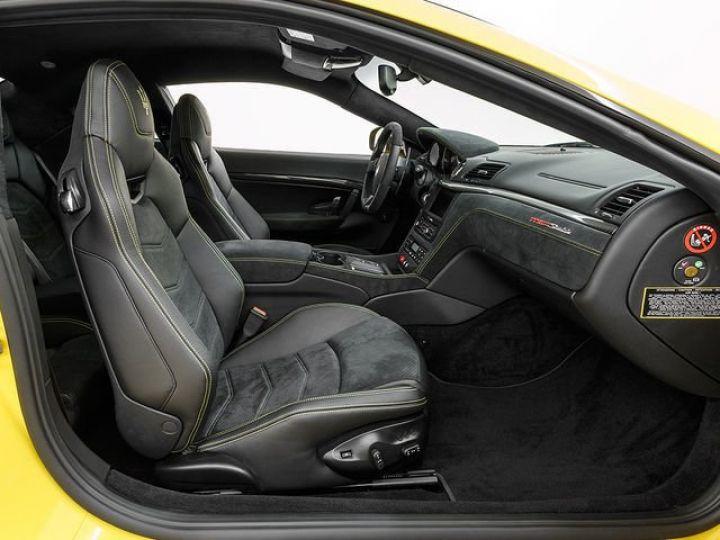Maserati GranTurismo MC STRADALE JAUNE - 9