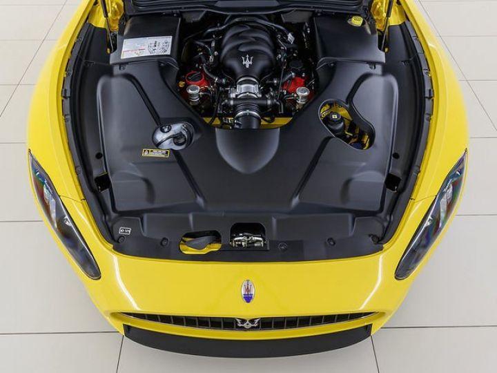 Maserati GranTurismo MC STRADALE JAUNE - 12