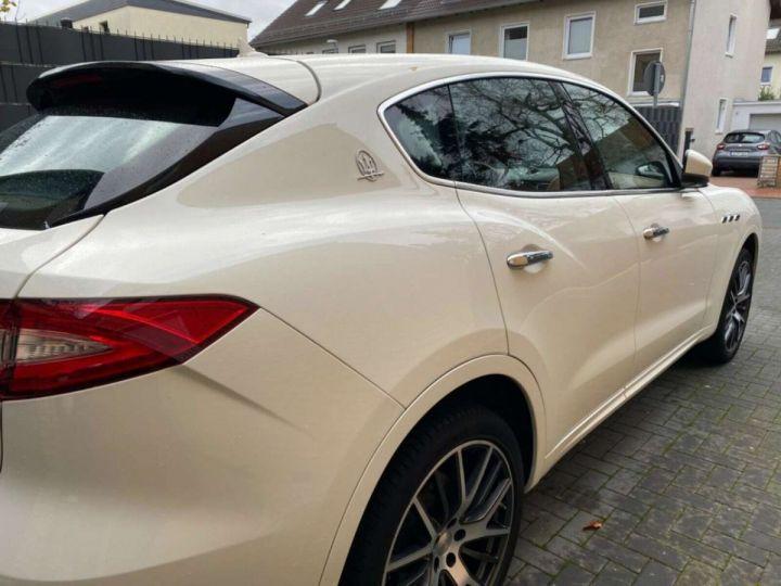 Maserati Levante 3.0 V6 275ch Diesel *Livraison et garantie 12 mois INCLUS* Blanc - 8