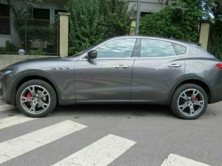 Maserati Levante Diesel 3.0 V6 Turbo 275 GranSport / GPS / BLUETOOTH / GARANTIE 12 MOIS Gris métallisée  - 4