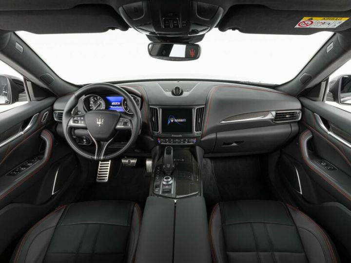 Maserati Levante LEVANTE GTS MALUS INCLUS noir métallisé  - 6