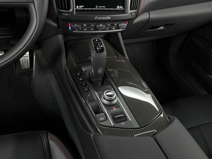 Maserati Levante LEVANTE GTS MALUS INCLUS noir métallisé  - 8