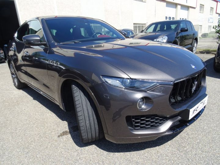 Maserati Levante LEVANTE S Gransport SQ4 3.0L V6 430Ps/Echap Sport  Jts 21  Harman Kardon  LED  gris anthracite métallisé - 4