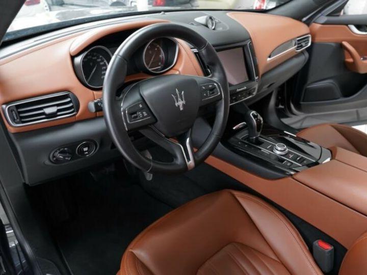 Maserati Levante Maserati Levante 3.0 V6 275 Cv/1ere Main/ToitPanoramique/Garantie 12 Mois noir - 4