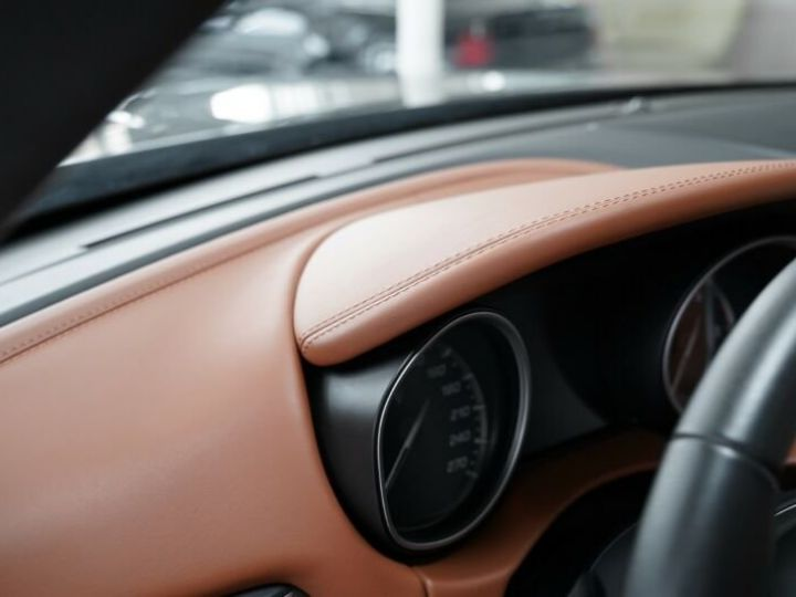 Maserati Levante Maserati Levante 3.0 V6 275 Cv/1ere Main/ToitPanoramique/Garantie 12 Mois noir - 12