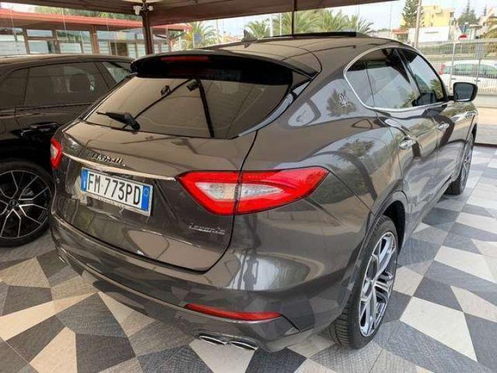 Maserati Levante Maserati Levante 3.0 V6 275 Cv/Toit Panoramique/Garantie 12 Mois gris foncé - 2