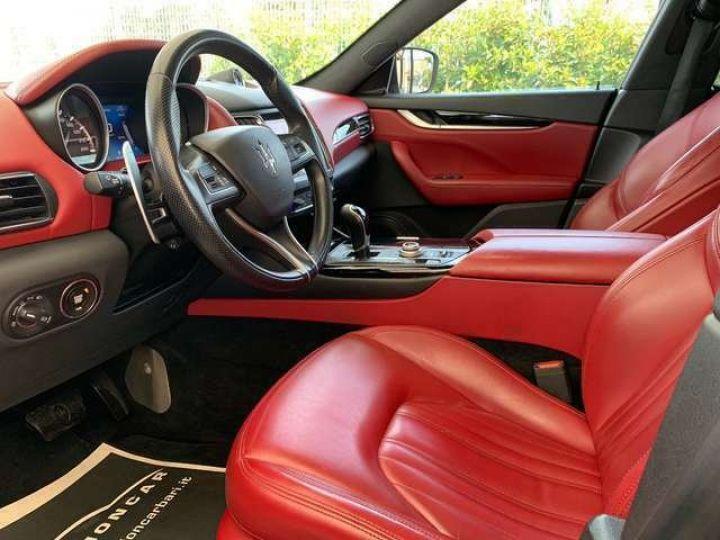 Maserati Levante Maserati Levante 3.0 V6 275 Cv/Toit Panoramique/Garantie 12 Mois gris foncé - 3