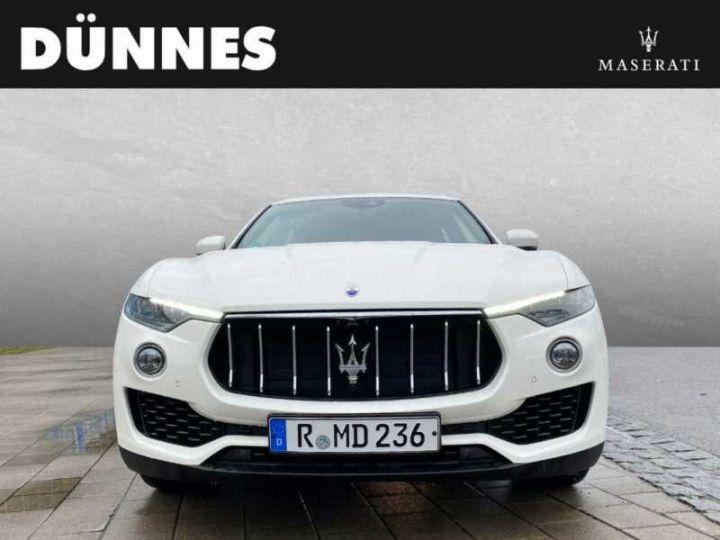 Maserati Levante Maserati Levante Q4 Diesel  blanc  - 1