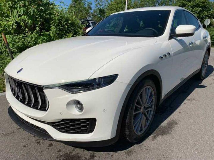 Maserati Levante Maserati Levante Q4 Diesel  blanc  - 3