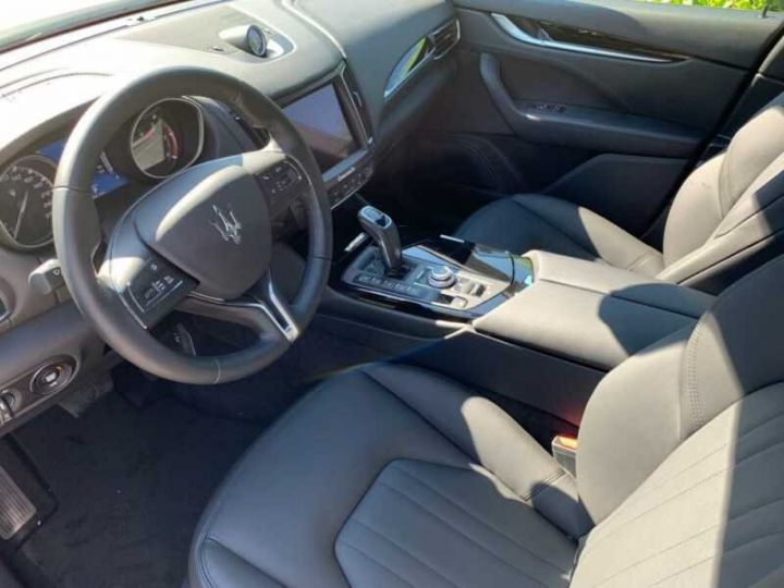 Maserati Levante Maserati Levante Q4 Diesel  blanc  - 9