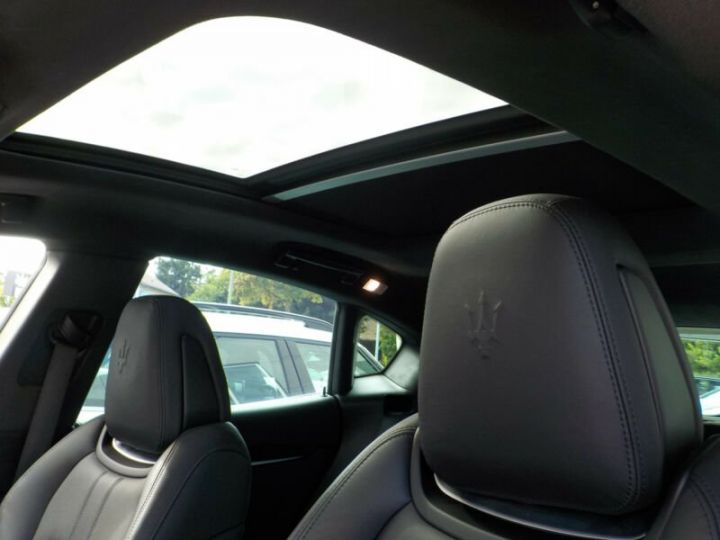 Maserati Levante Maserati Levante Sport, 21 pouces, Toit PanoramIque, Garantie 12 Mois  Noir - 5