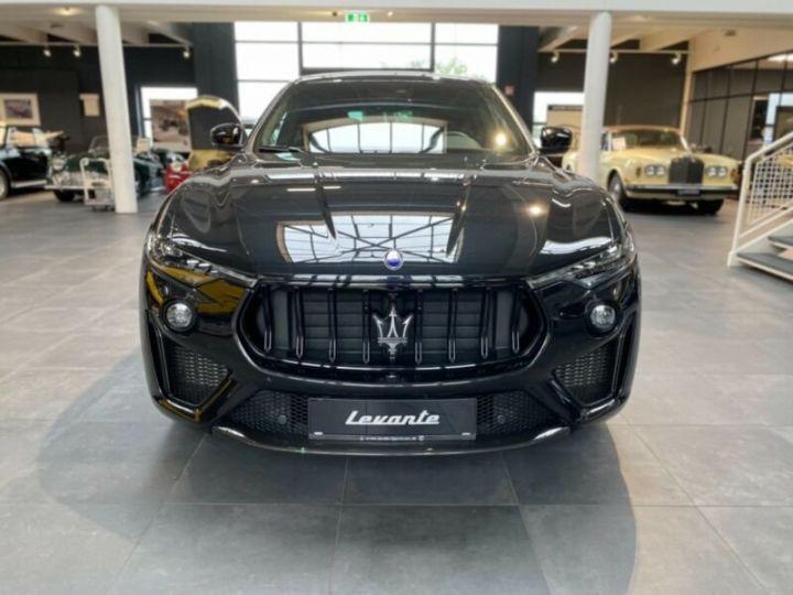 Maserati Levante Maserati Levante Trofeo, V8,Carbone, 22 * malus inclus *  noir metallisé - 2