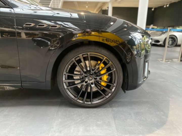 Maserati Levante Maserati Levante Trofeo, V8,Carbone, 22 * malus inclus *  noir metallisé - 4