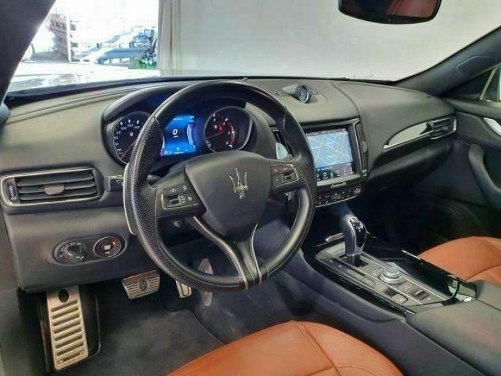 Maserati Levante Maserati Maserati Levante V6 Diesel 275 CV AWD Grandlusso/Toit ouvrant/ Pack chrono  gris foncé - 3