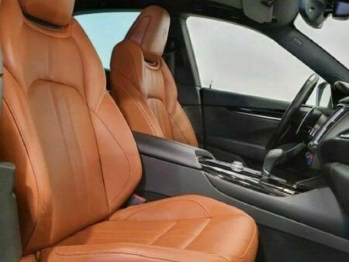 Maserati Levante Maserati Maserati Levante V6 Diesel 275 CV AWD Grandlusso/Toit ouvrant/ Pack chrono  gris foncé - 4