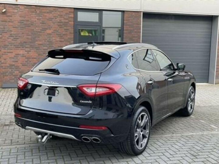 Maserati Levante  S / GranSport 3.0D Q4 / Toit Panorama / Garantie 12 mois  Noir métallisée  - 11