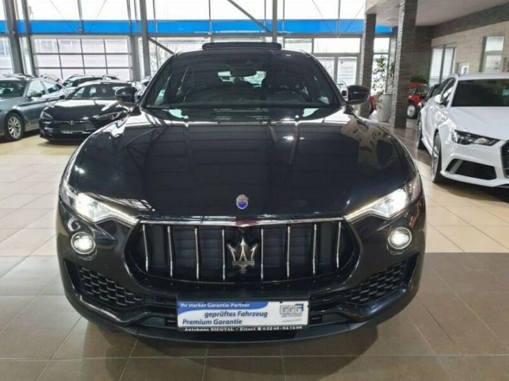 Maserati Levante toit panoramique  noir  - 2