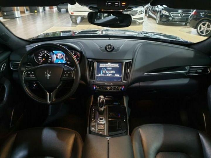 Maserati Levante toit panoramique  noir  - 3