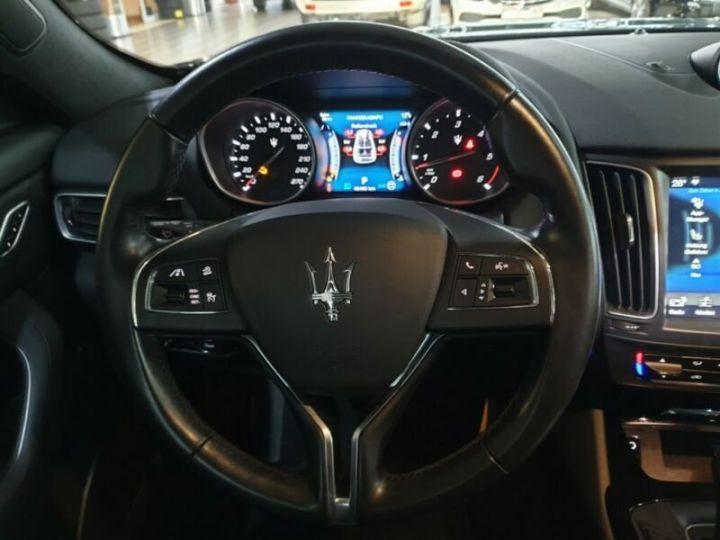 Maserati Levante toit panoramique  noir  - 8
