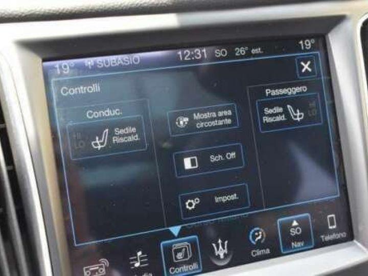 Maserati Levante  V6 Diesel 275 CV AWD FULL OPTION / GPS / TOIT OUVRANT / GARANTIE 12 MOIS Noir métallisée  - 12