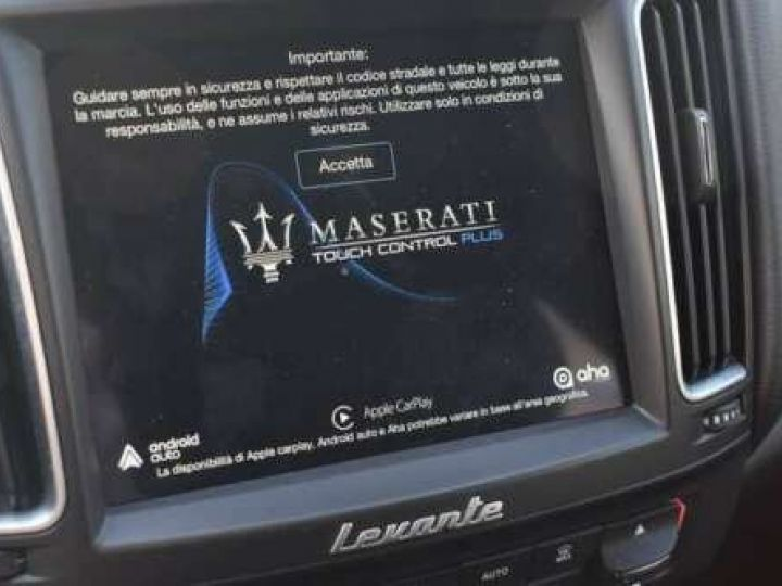 Maserati Levante  V6 Diesel 275 CV AWD FULL OPTION / GPS / TOIT OUVRANT / GARANTIE 12 MOIS Noir métallisée  - 13