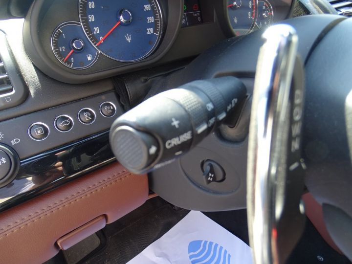 Maserati Quattroporte 4.2L 400Ch Phase 2 BVA ZF/ Full options Echappement Sport  Toe Palettes au volant .... gris anthracite métallisé - 15