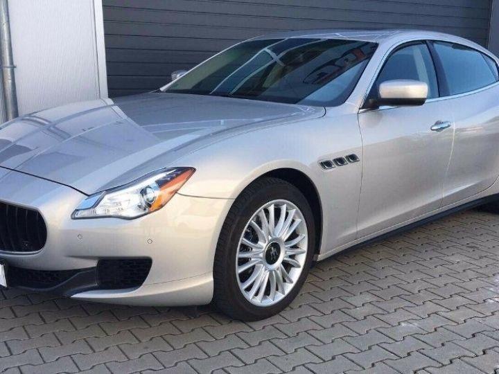 Maserati Quattroporte  VI (2) 3.0 V6 S Q4 410 (07/2014) Toit ouvrant Gris/Champagne métal - 1