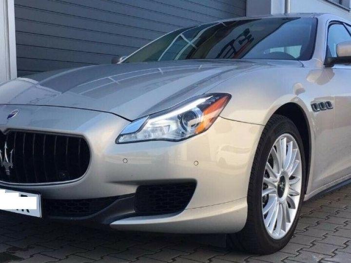 Maserati Quattroporte  VI (2) 3.0 V6 S Q4 410 (07/2014) Toit ouvrant Gris/Champagne métal - 3