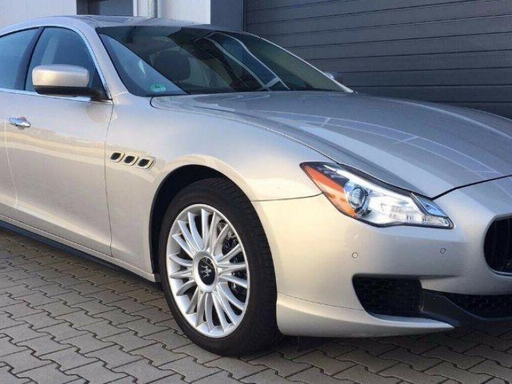 Maserati Quattroporte  VI (2) 3.0 V6 S Q4 410 (07/2014) Toit ouvrant Gris/Champagne métal - 5