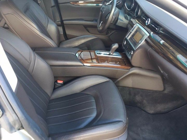Maserati Quattroporte  VI (2) 3.0 V6 S Q4 410 (07/2014) Toit ouvrant Gris/Champagne métal - 9