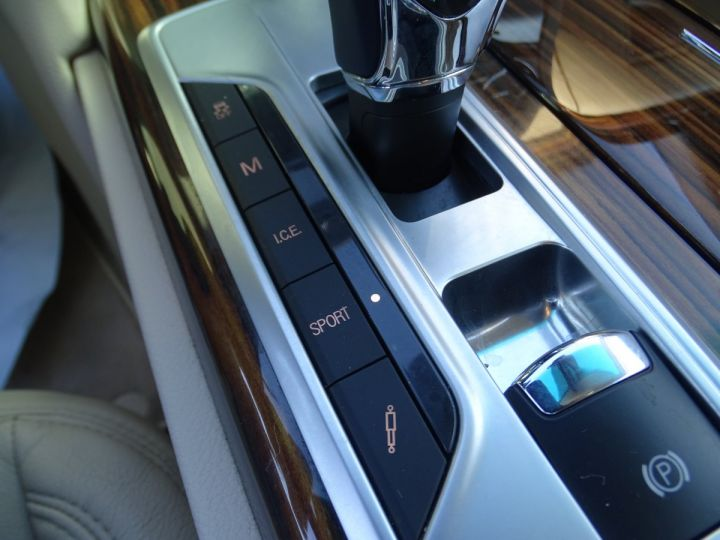 Maserati Quattroporte VI 3.8 V8 530 SPORT GTS AUTOMATIQUE/ DVD Jtes 20 PDC + Camera  bleu métallisé  - 17