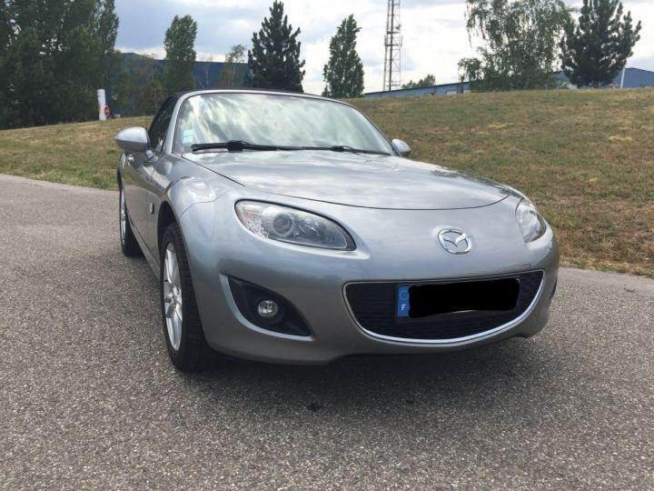 Mazda MX-5 gris  - 7