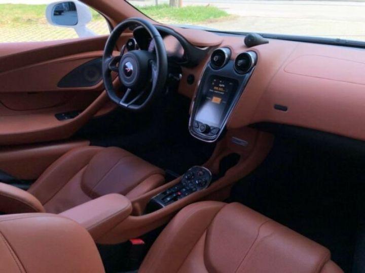 McLaren 570 GT BLANC - 11