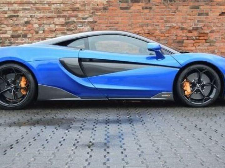 McLaren 600LT Vega blue - 4