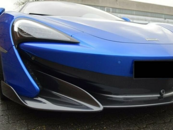 McLaren 600LT Vega blue - 9