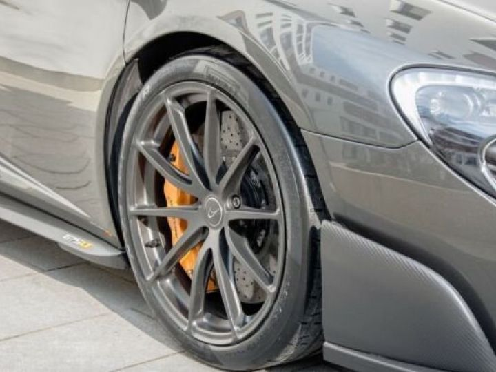 McLaren 675LT 1 of 500#Pack carbone Storm Grey métal - 8