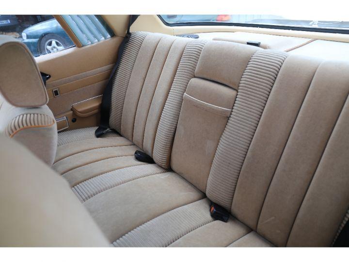 Mercedes 500 V8 W107 Blanc - 8
