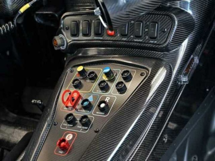 Mercedes AMG GT GT3 V8 6.3 compétition  noir mat - 6