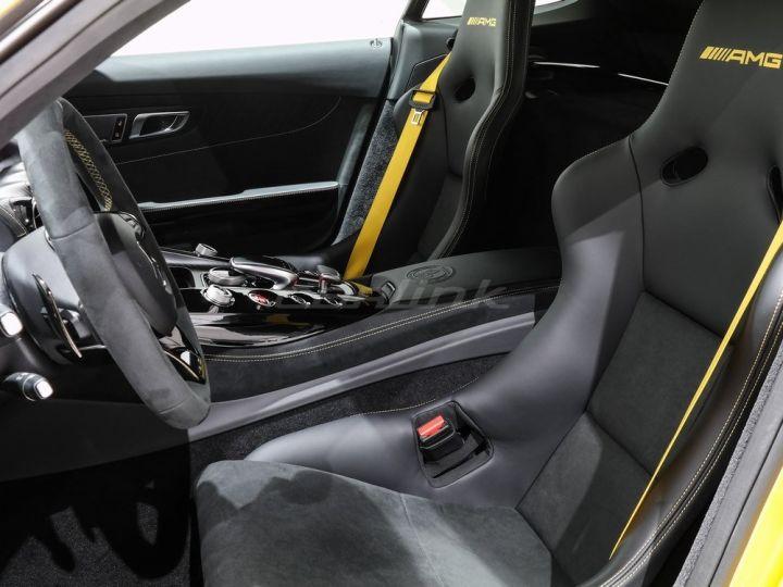 Mercedes AMG GT R  - 8