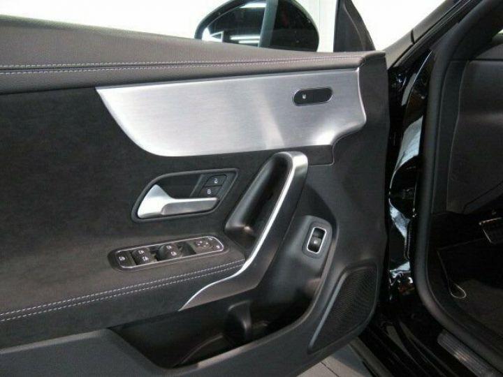 Mercedes CLA noir - 2