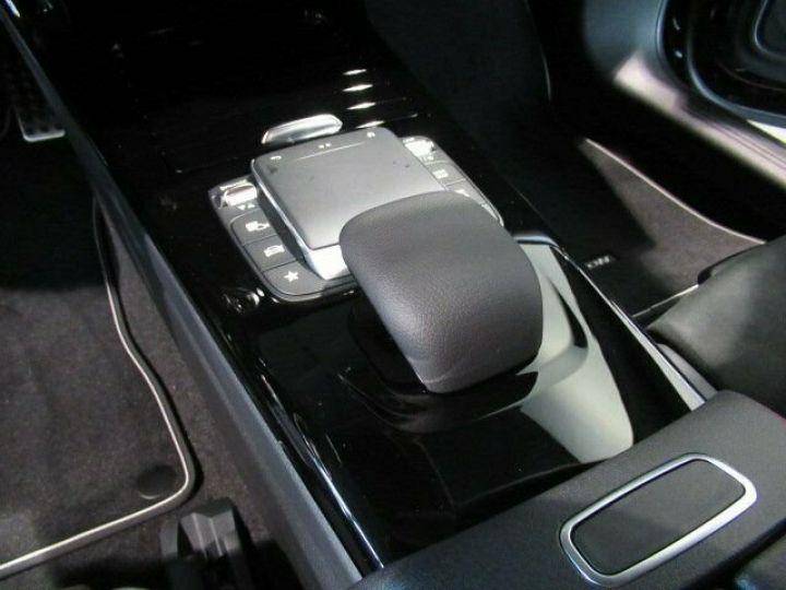 Mercedes CLA noir - 4