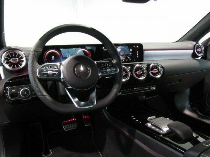 Mercedes CLA noir - 7