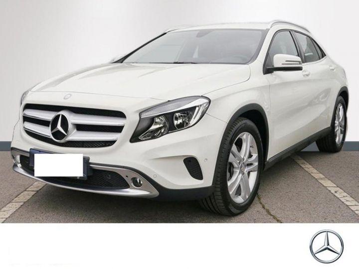 Mercedes CLA 220 d 177 4M 7G-DCT  (12/2015) blanc cirrus - 1